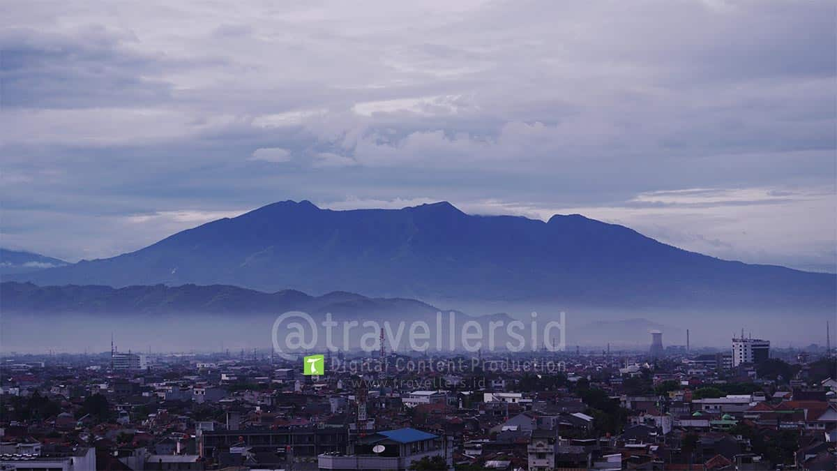 Bandung-City-at-Morning-1.jpg