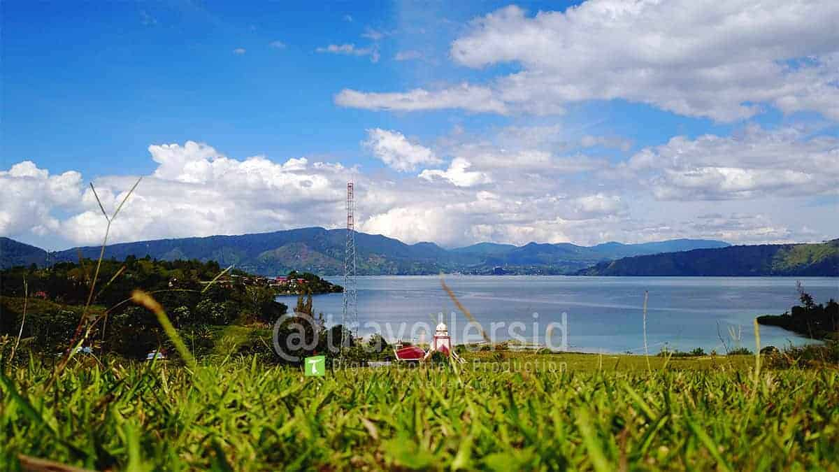 Beta-Hill-Lake-Toba-Samosir-North-Sumatera-1.jpg