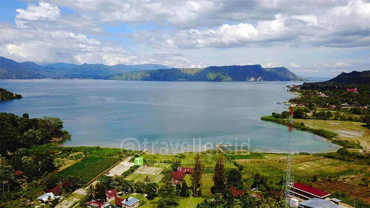 Beta-Hill-Lake-Toba-Samosir-North-Sumatera-2.jpg