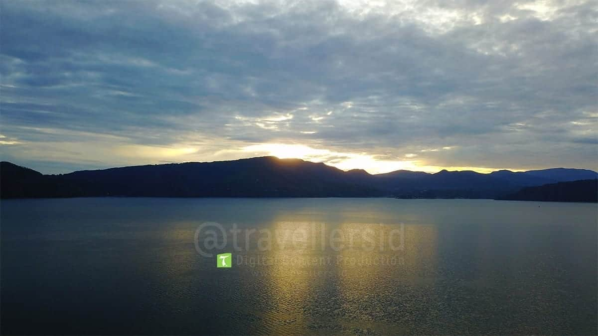 Lake-Toba-Sunrise-Samosir-North-Sumatera-1.jpg