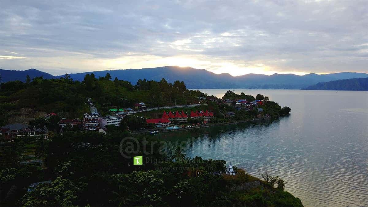 Lake-Toba-Sunrise-Samosir-North-Sumatera-4.jpg