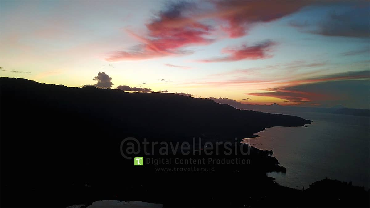 Lake-Toba-Sunset-Samosir-North-Sumatera-1.jpg