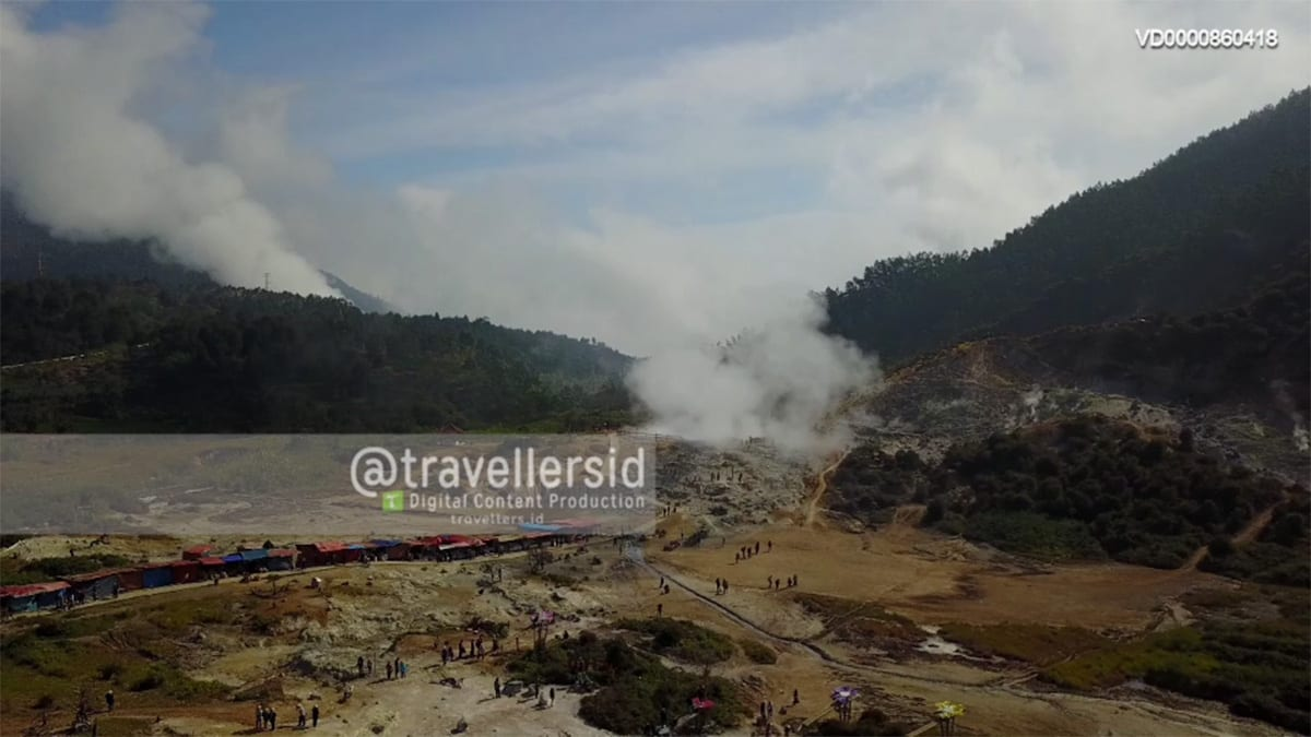 Sikidang Crater, Dieng, Central Java, Indonesia